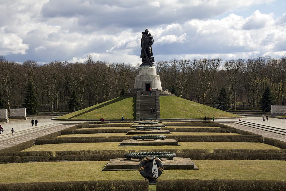 сайт фото памятника в трептов парке сожалению, других